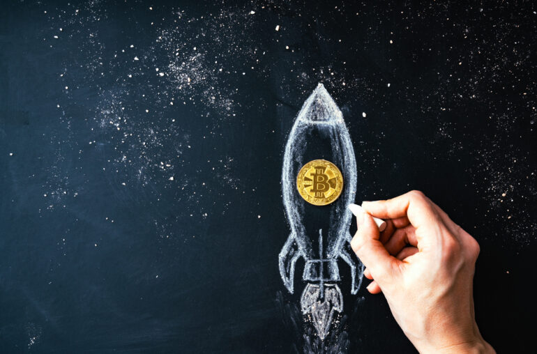 Los cartistas de Bitcoin ven que el precio alcanza los $ 70,000 después de la compra de criptografía de Tesla