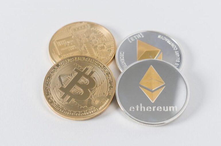 Así es como Ethereum ha mejorado Bitcoin durante el año pasado