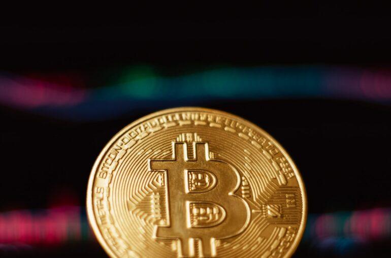 Las criptomonedas se recuperan de los mercados de valores y el interés institucional