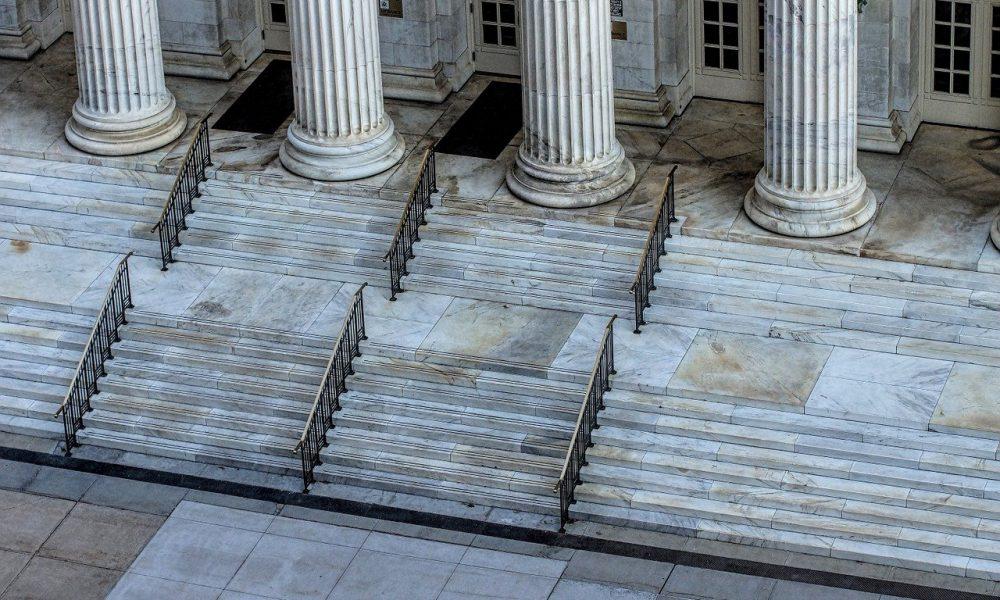 MoneyGram bajo fuego: la demanda alega declaraciones falsas sobre XRP